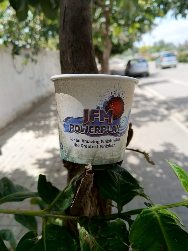 coffee cup advertising by GingerCup